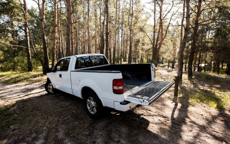 Aluminum toolbox for pickup trucks